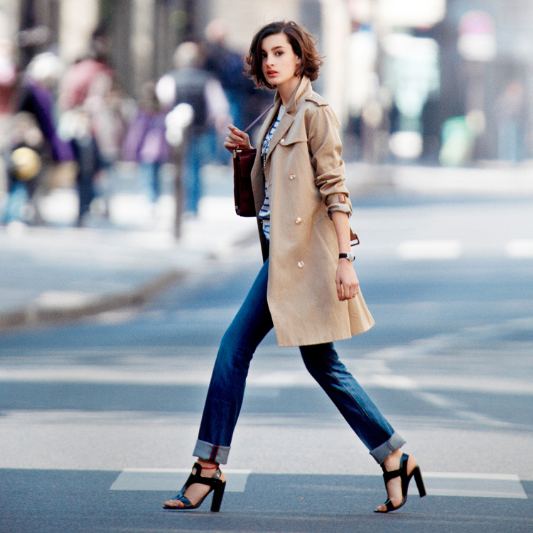 How to choose a trench dress like a parisian - Comment porter un trench femme ...