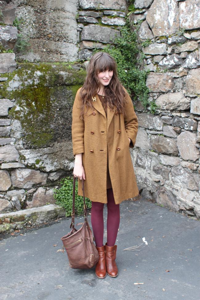burgundy tights 2