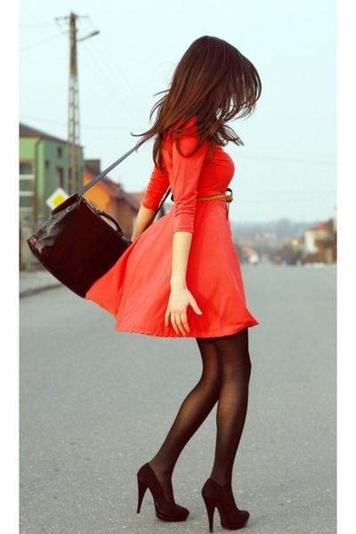 Robe rouge quel couleur de collant