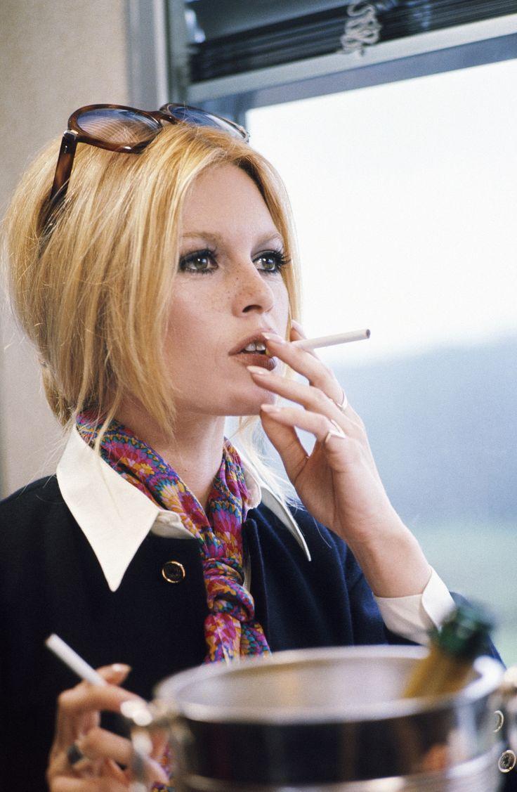 Style icone: Brigitte Bardot - Personal Shopper Paris - Dress like a Parisian