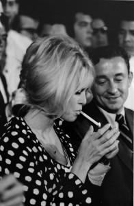 Brigitte Bardot dot pattern thin pendant necklace