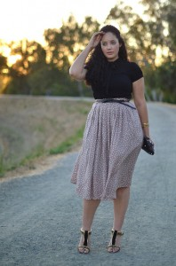 belted wide skirt and bodycon top on curvy figure with thin waist found on girl with curves com