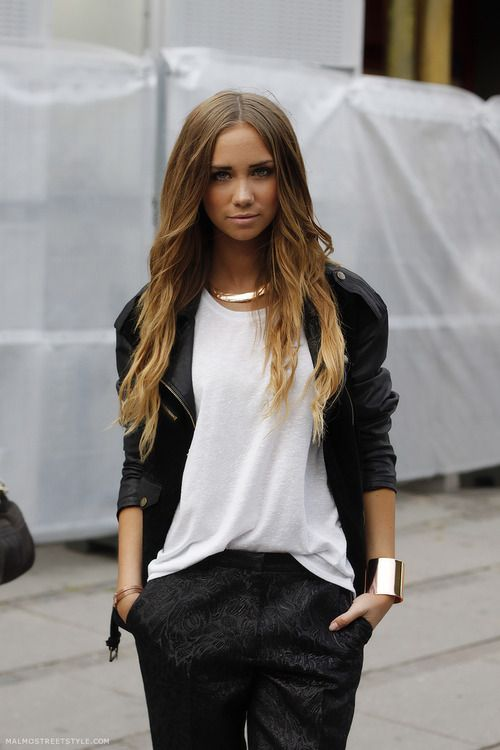 Cuff necklace T-shirt Malmo streetstyle