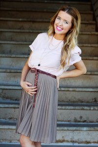 pleated skirt pregnant