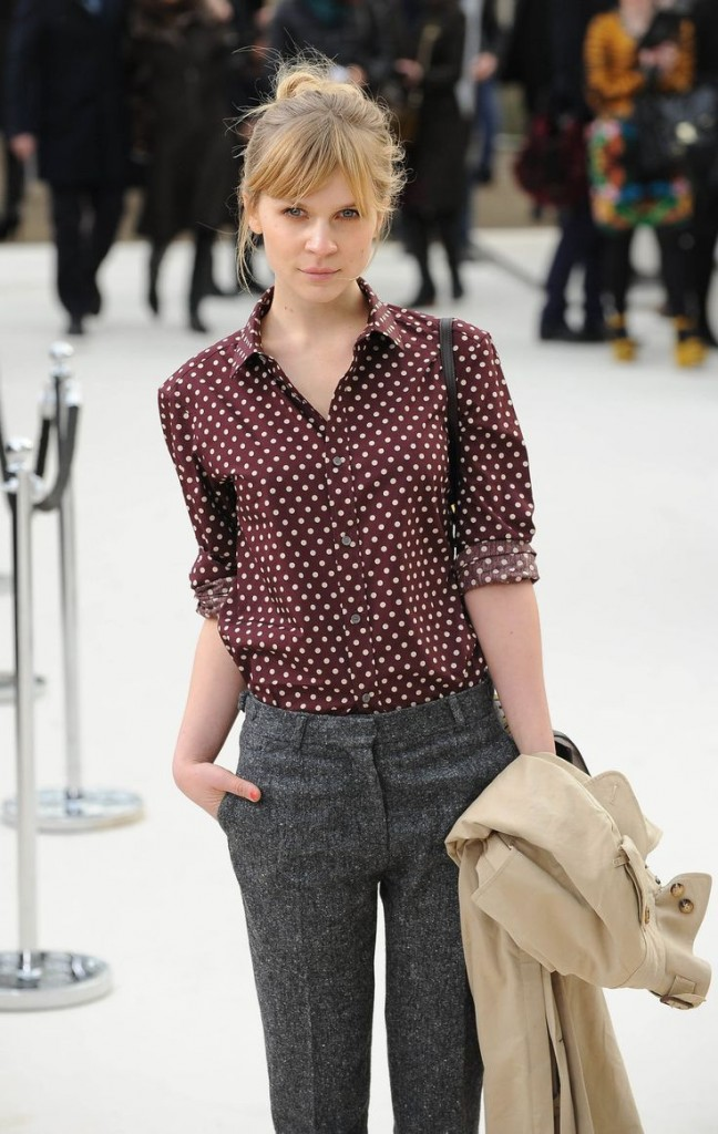 Clémence Poesy grey wool pants