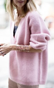 Oversize sweater decolletage brighton the day blog
