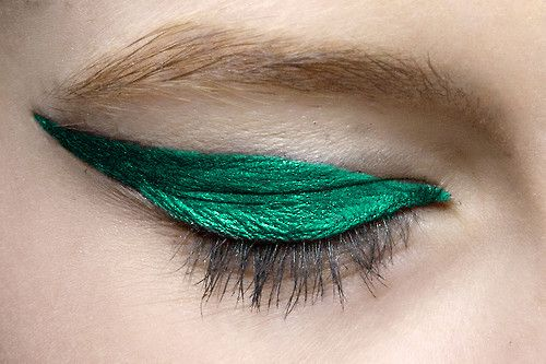 Metallic liner green