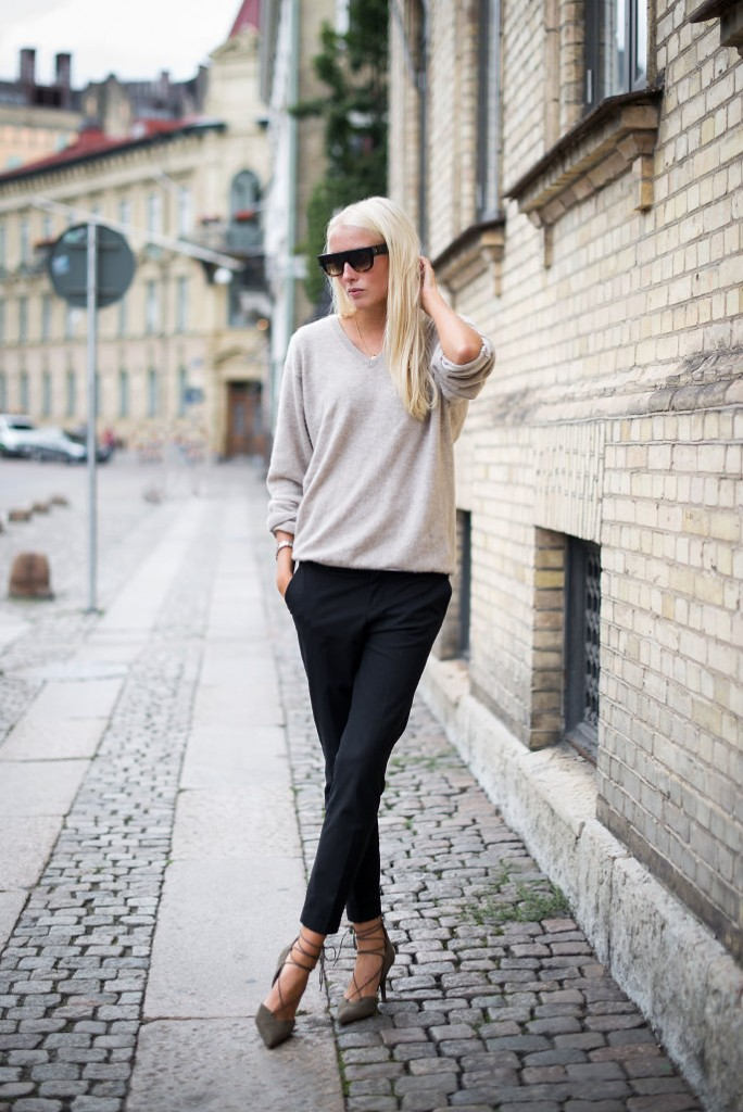 Ellen claesson V neck with tailored pants