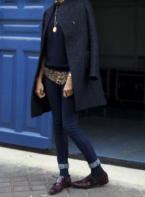 la cool and chic plain navy blue shoes