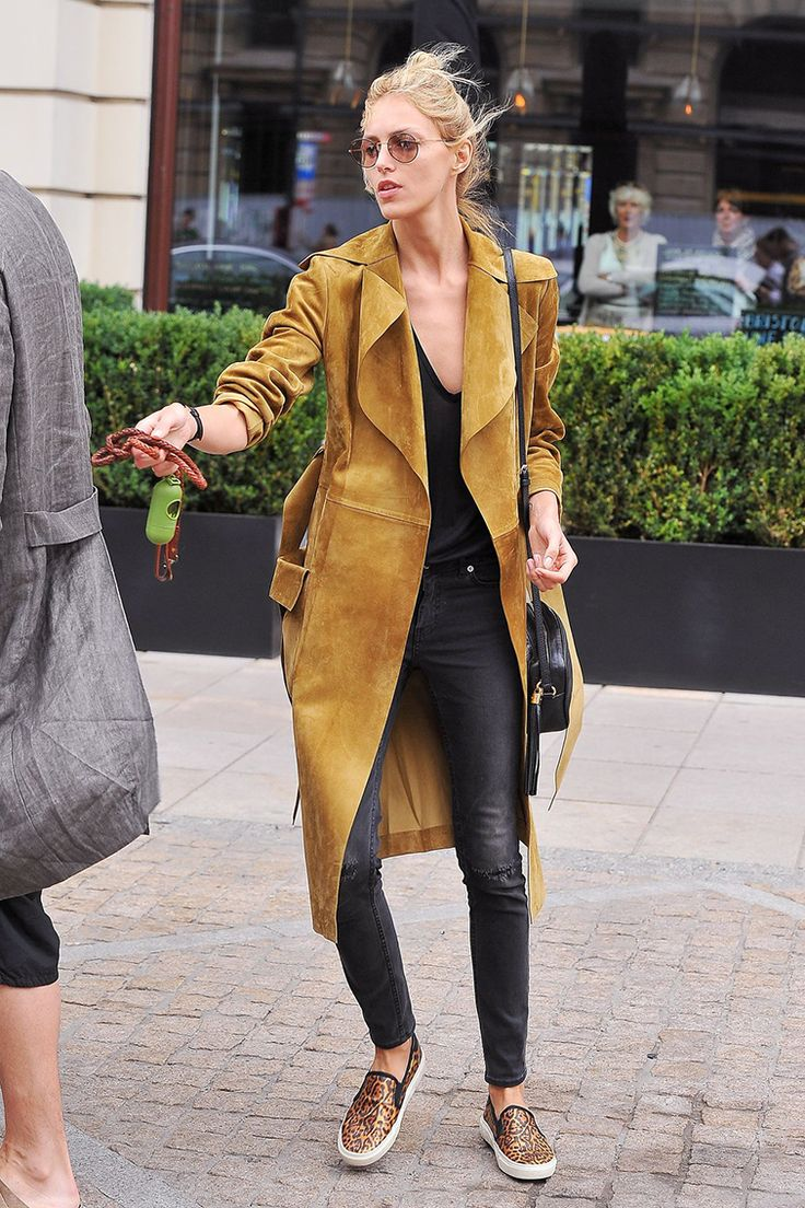 How To Style The Trench Dress Like A Parisian