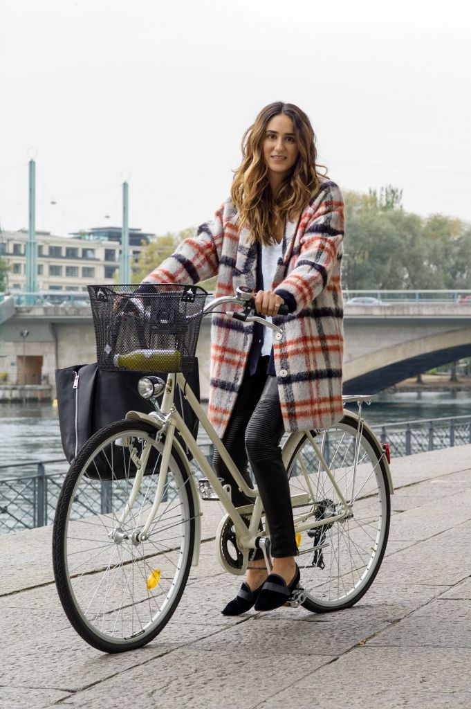 How To Wear Plaid Dress Like A Parisian