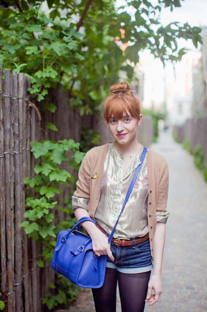 56050ad18 How to wear the cardigan? | Dress like a parisian
