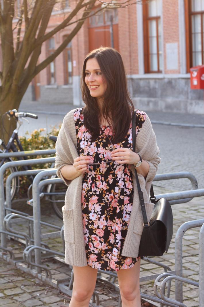 How to wear the cardigan? | Dress like a parisian