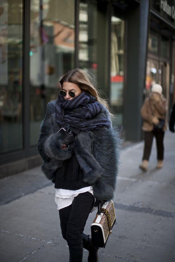 How to wear a (faux) fur coat?