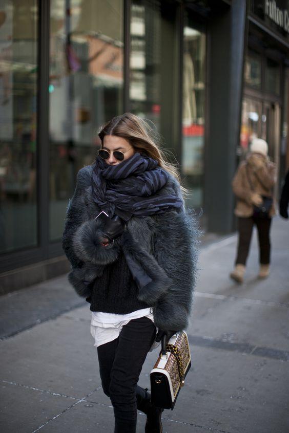 Maja Wyh fluid scarf fur