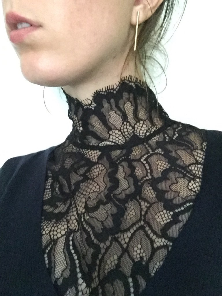 How To Wear The Victorian Collar Dress Like A Parisian