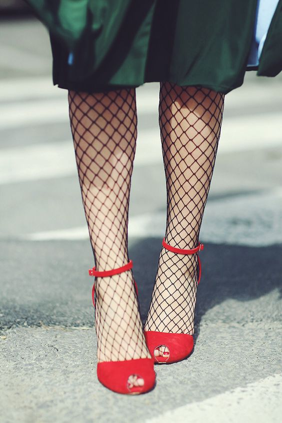 How To Wear Tights With Open Toe Shoes Dress Like A