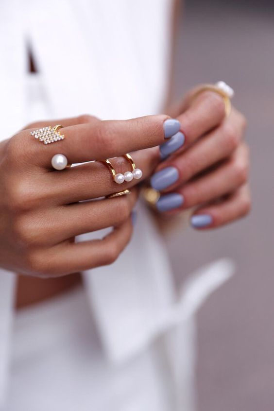 lilac nails detail